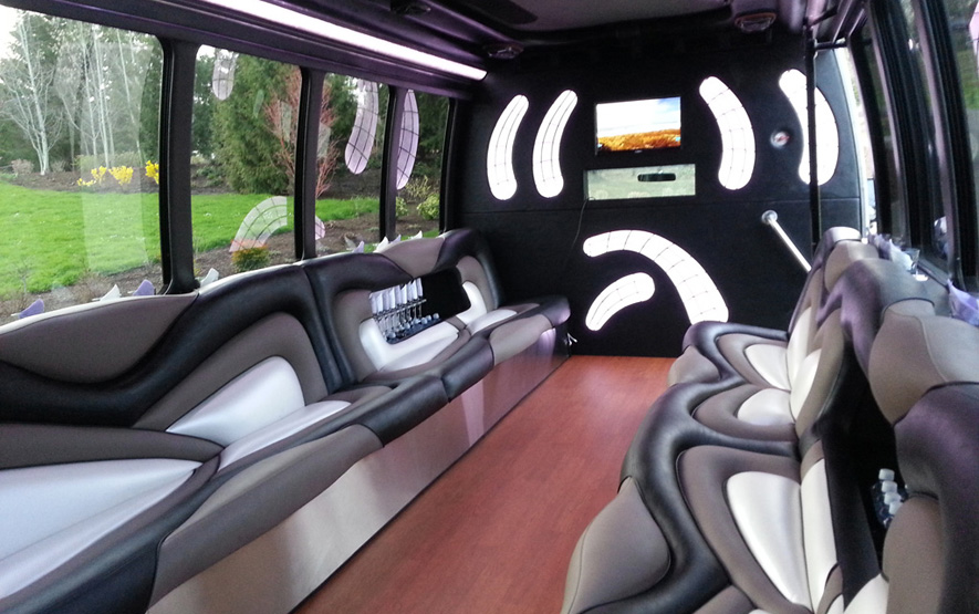 Fort Worth Limo Bus Rates, Party, Charter, Shuttle, City Tours, Weddings, Birthday, Bar club Crawl, Wine Tasting, Brewery Tour, Concert, Music Venue, Luxury, Tailgating, Corporate