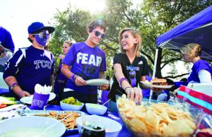 Fort Worth Tailgating Limo Rentals, party bus, shuttle, Charter, Limousine, bbq, Tailgate, AT&T Stadium, Amon G. Carter Stadium, Cowboys Football, Horned Frogs, TCU
