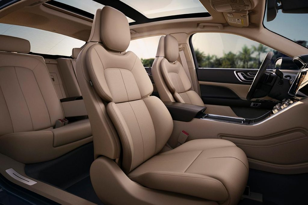 Fort Worth Town Car Services, Lincoln, Cadillac, Mercedes, Sedan, Luxury, White, Black Car Service, Airport Transportation, Funeral, Birthday, Celebrations, Corporate, Meet and Greet