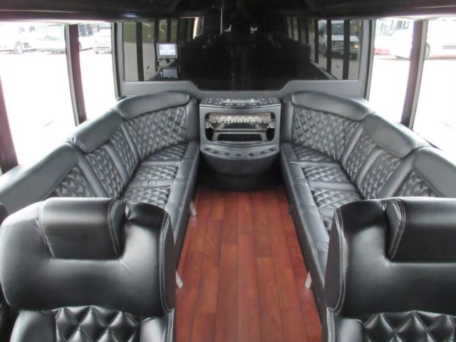 Fort Worth Limo Bus Rentals, Party, Shuttle, Charter, Birthday, Pub Bar Club Crawl, Wedding, Airport Transport, Transportation, Bachelor, Bachelorette, Music Venue, Concert, Sports, Tailgating, Funeral, Wine Tasting, Brewery Tour
