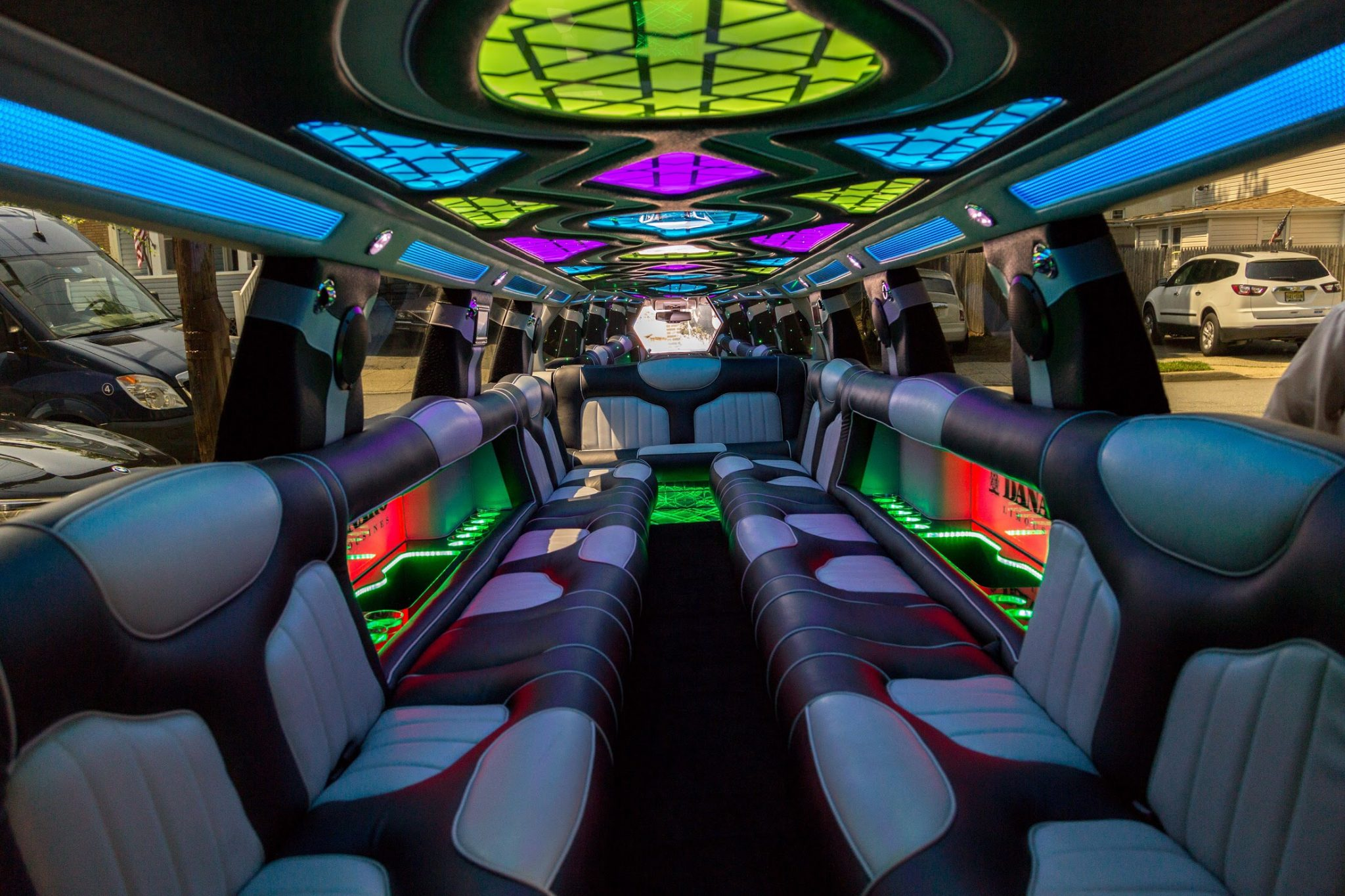 Fort Worth Infinity Limo Rates, Limousine, White, Black Car Service, Wedding, Round Trip, Anniversary, Nightlife, Getaway, Birthday, Brewery Tour, Wine Tasting, Funeral, Memorial, Bachelor, Bachelorette, City Tours, Events, Concerts, Airport, SUV