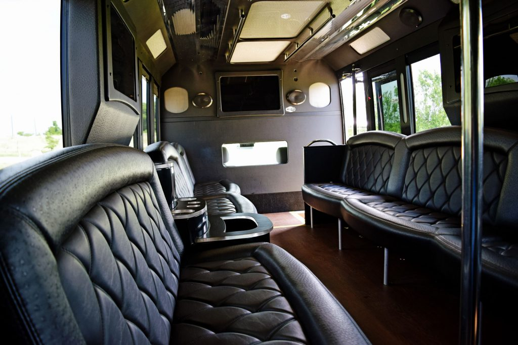 Fort Worth Limo Bus Services, Party, Charter, Shuttle, City Tours, Weddings, Birthday, Bar club Crawl, Wine Tasting, Brewery Tour, Concert, Music Venue, Luxury, Tailgating, Corporate